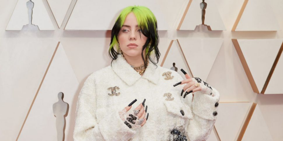 Billie Eilish's Mother Jokes S...