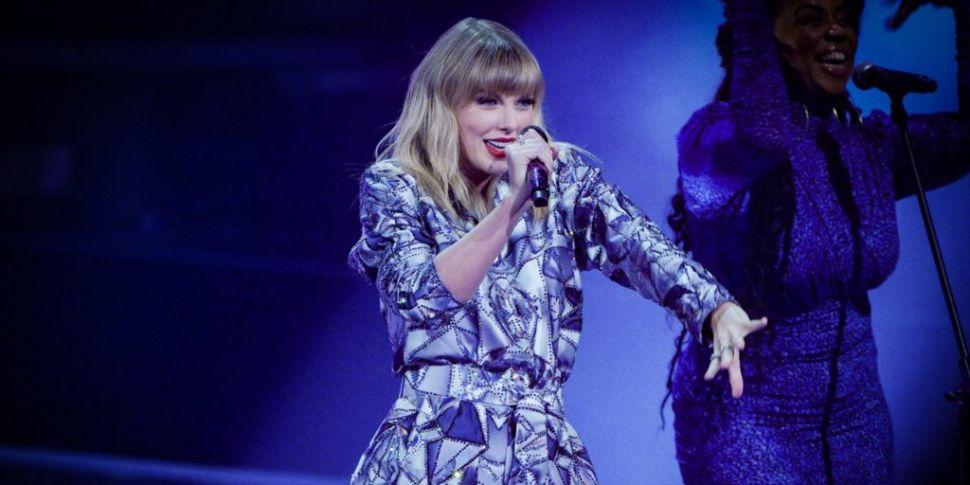 Taylor Swift Announces Her Sur...
