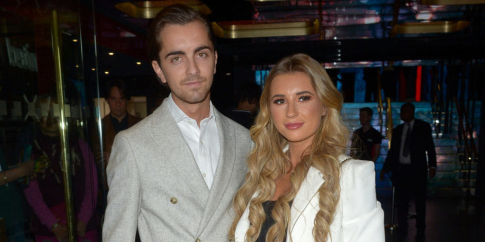 Dani Dyer Announces She's Expe...