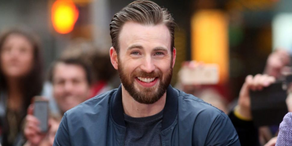 Chris Evans Describes Nude Pho...