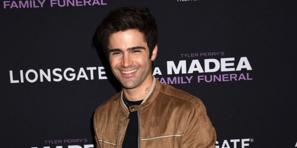 Max Ehrich Shares Paparazzi Ph...