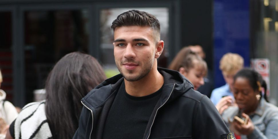 Tommy Fury Responds To Backlas...