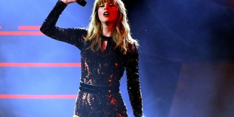 Taylor Swift Got Bleeped During Her AMAs Performance