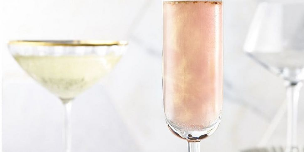 Dealz Is Selling Glitter For Your Prosecco This Christmas