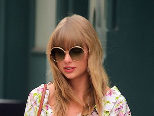 Taylor Swift Reportedly Had Fans' Pictures Taken At Her Concert To Track Down Stalker...