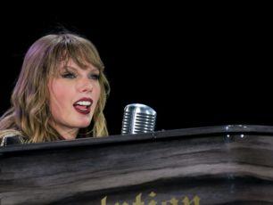 WATCH: Trailer For Netflix's 'Taylor Swift Reputation Stadium Tour'