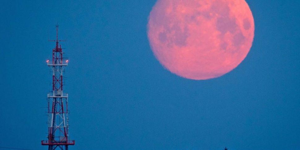 Pink Moon Set To Illuminate Sk...