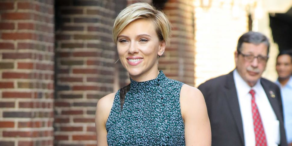 Scarlett Johansson Wants Papar...
