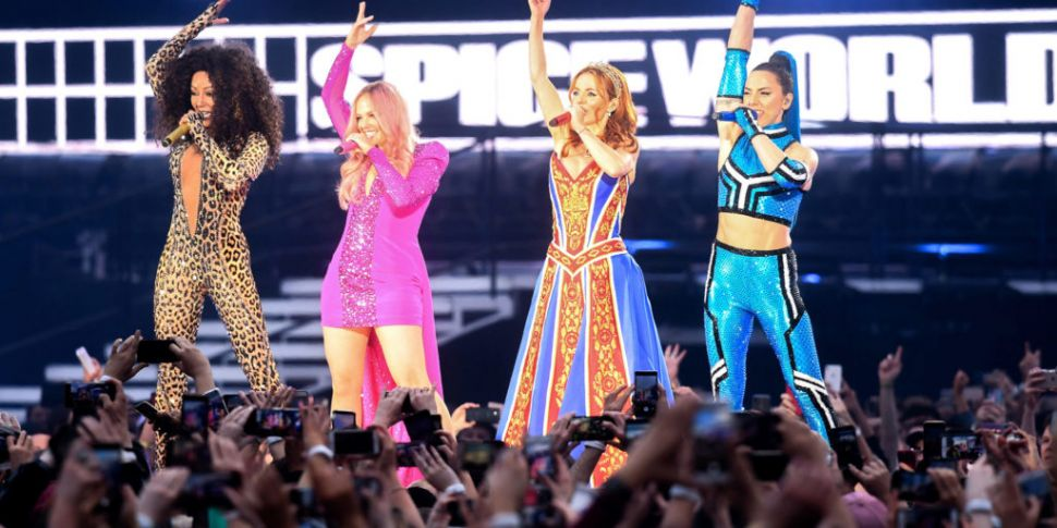 Spice Girls Fans Walk Out Of C...