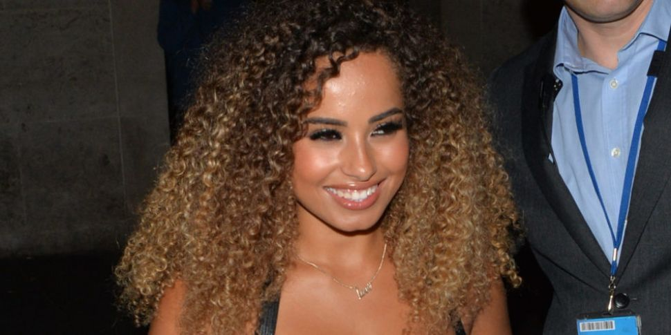 Amber Gill Reportedly Cosies U...