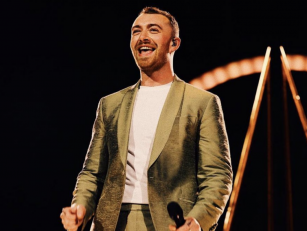 Sam Smith Undergoes Eye Surgey...