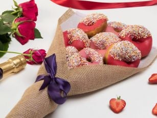 You Can Buy Donut Bouquet In L...