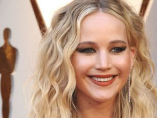 Jennifer Lawrence Is Engaged T...