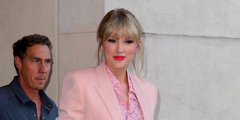 WATCH: Taylor Swift's Mother R...