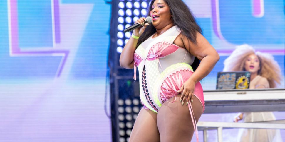 Lizzo Sued By Delivery Person...