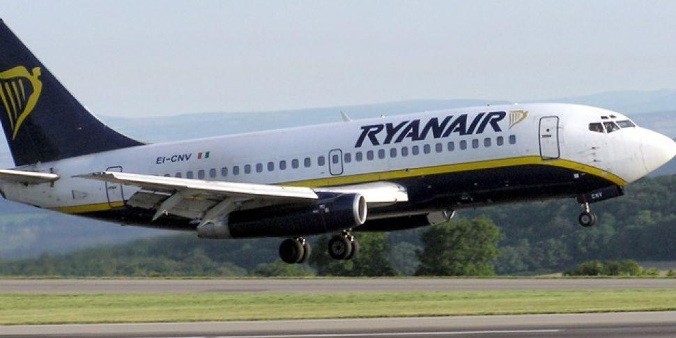 Dublin Ryanair Flight Makes Em...