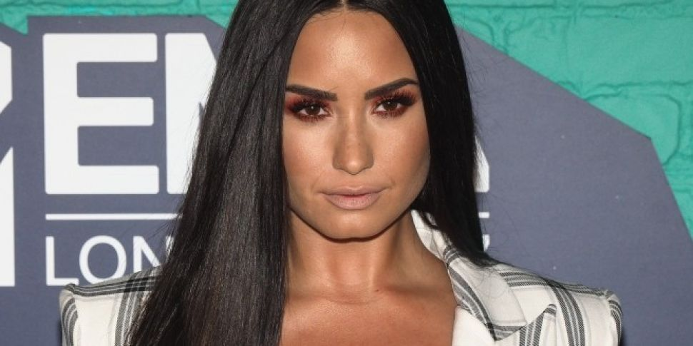 Demi Shares Hilarious Encounter With Seal In An Elevator