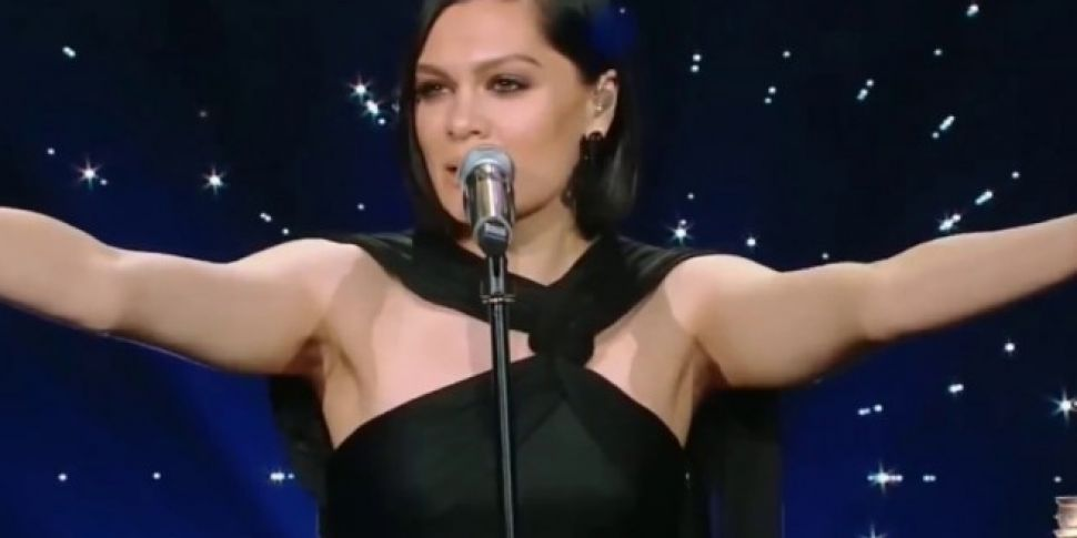 Jessie J Sang Purple Rain In Chinese On Talent Show
