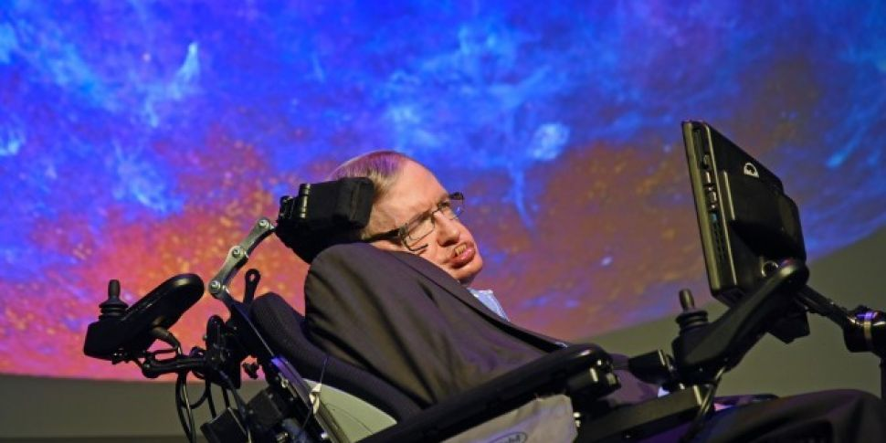 Celebs Pay Tribute To Stephen Hawking