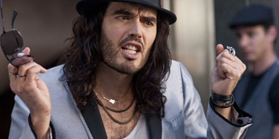 Russell Brand Reveals He Kisse...