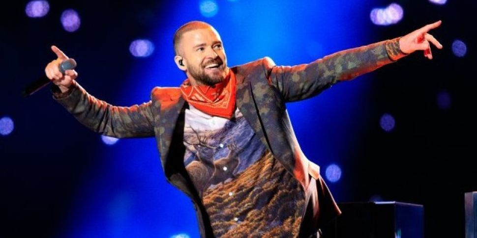 Justin Timberlake Stops Mid Concert To Announce Fans Pregnancy