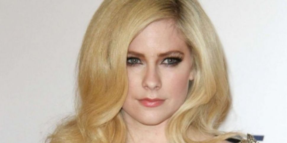 Avril Lavigne Made First Red C...