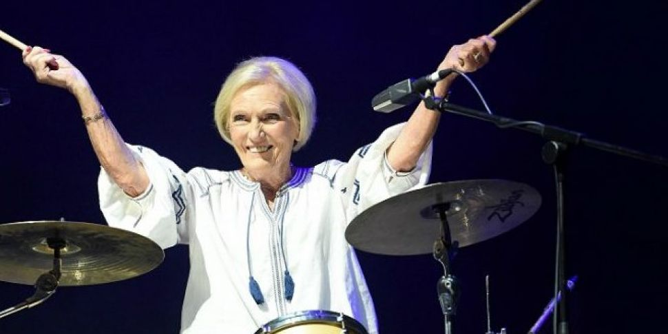 WATCH  Mary Berry Play The Dru...