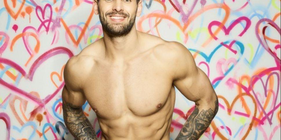 Love Islands Adam Collard Admits He Loves Zara On Aftersun
