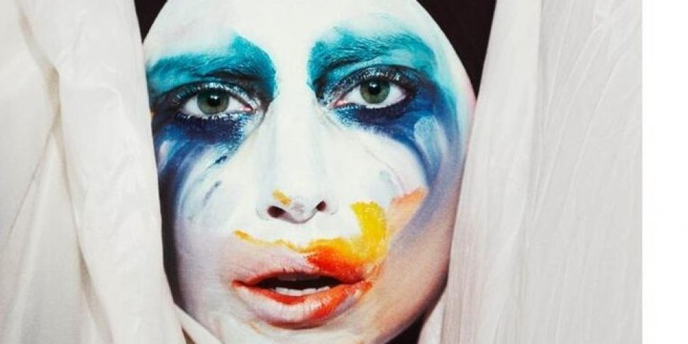 "Video: Lady Gaga ""Applause..."