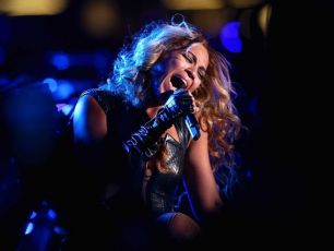 Just jamming with Beyonce, as you do