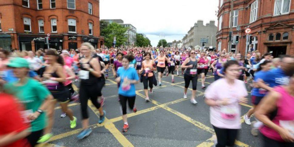 5 men and a pink stiletto runn...
