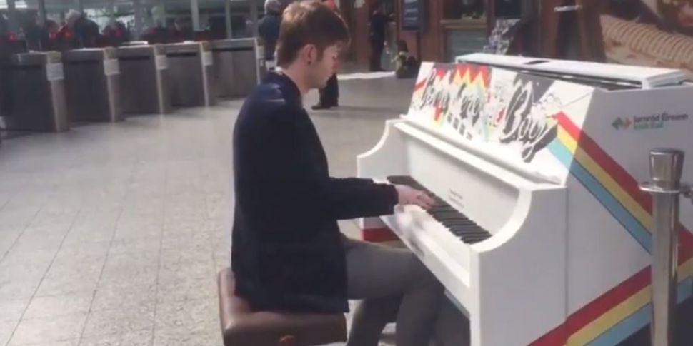 Irish Rail Installs Piano At C...