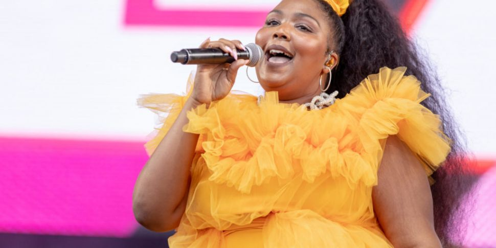 Lizzo Suggests People Who Don'...