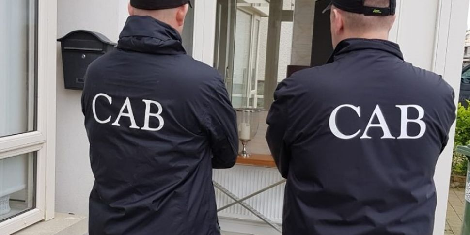 7 Arrested And €449,000 In Cas...
