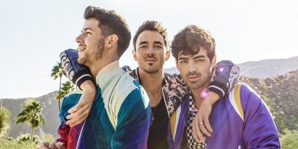 Jonas Brothers On Your Radar a...