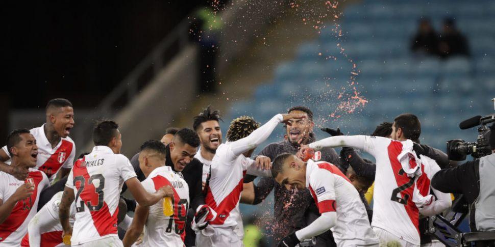 Peru shock Chile to reach Copa...