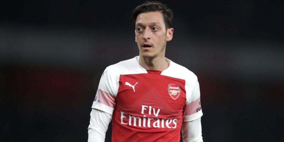Mesut Ozil edging closer to Fe...