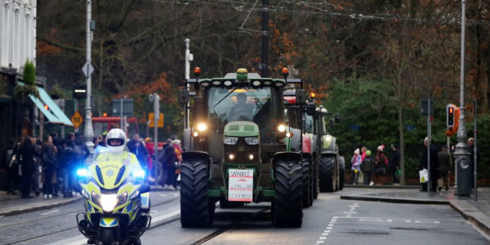 400 Tractors To Drive Into Dub...