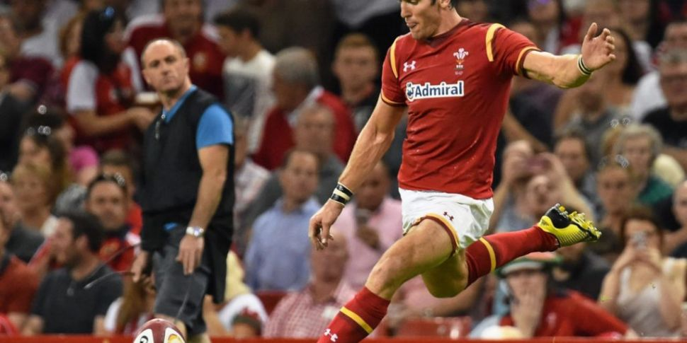James Hook to retire from rugb...