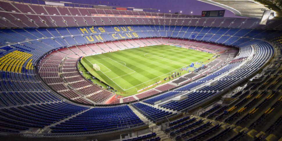 Police enter Barcelona's stadi...