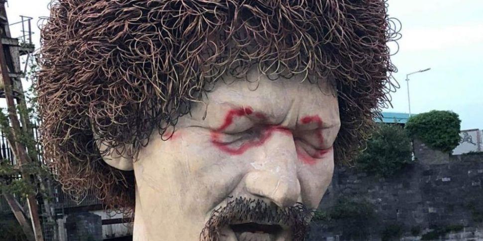 Luke Kelly Bust In Dublin Vand...
