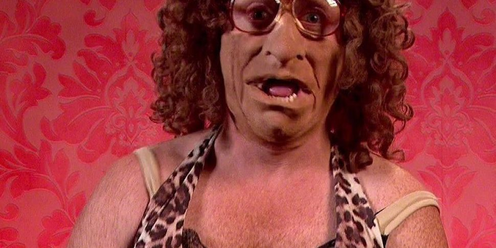 Leigh Francis Apologises For D...