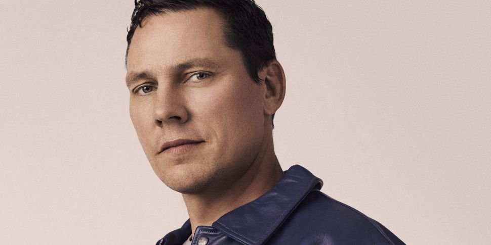 Superstar DJ Tiësto Talks Abou...