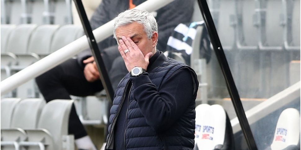 Mourinho blames players as Tot...