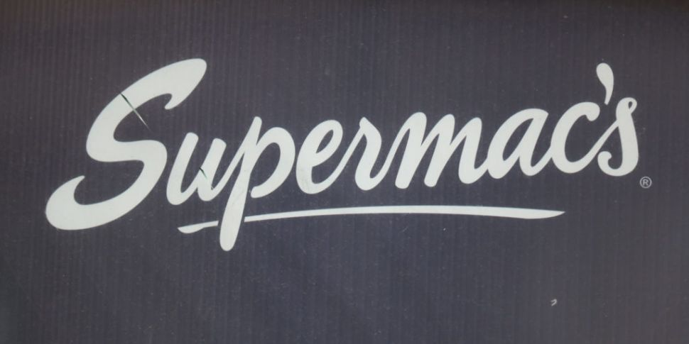 Supermac's Removing Plastic St...