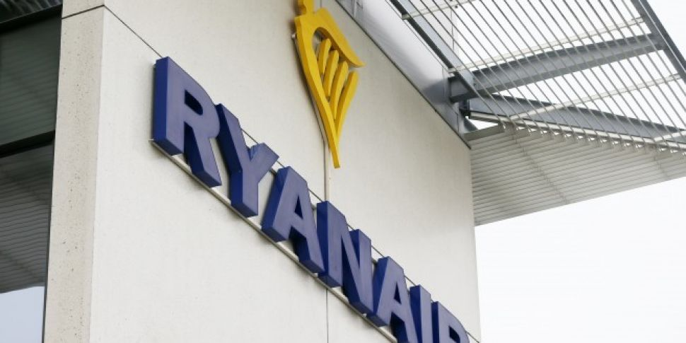 Ryanair Cabin Crew In Four Cou...