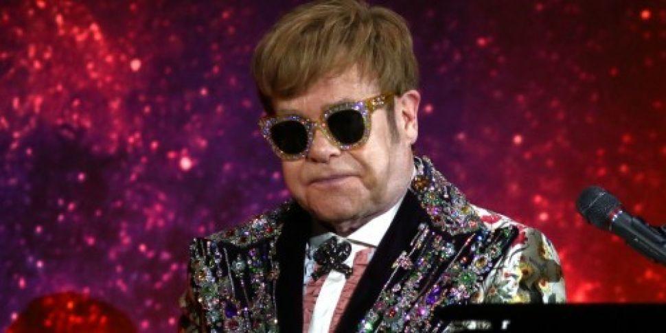 Elton John Farewell Tour To In...
