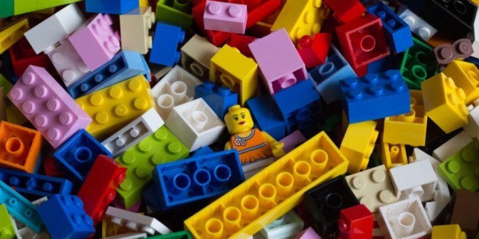 Lego Robots To Solve World&#39...