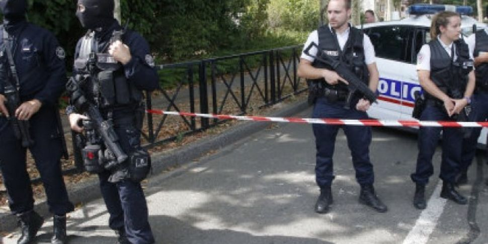 Two People Killed In Paris Kni...