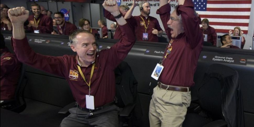 Space Craft Lands On Mars